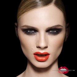 b6824e07847 Transgender Model Andreja Pejic Just Made History in the Beauty World